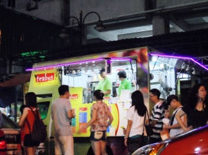 Modile Beverage shop along Jalan Alor.