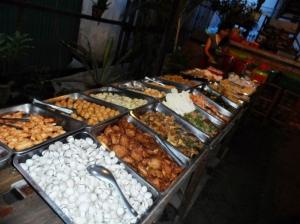 the 4 usd Khmer Shabu Shabu - BBQ Buffet ! super sulit .