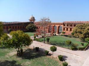 Jaigarh Fort , the well preserved palace on top of a hill, walkable from  Amber Fort