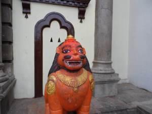 Funny looking foo dog statue