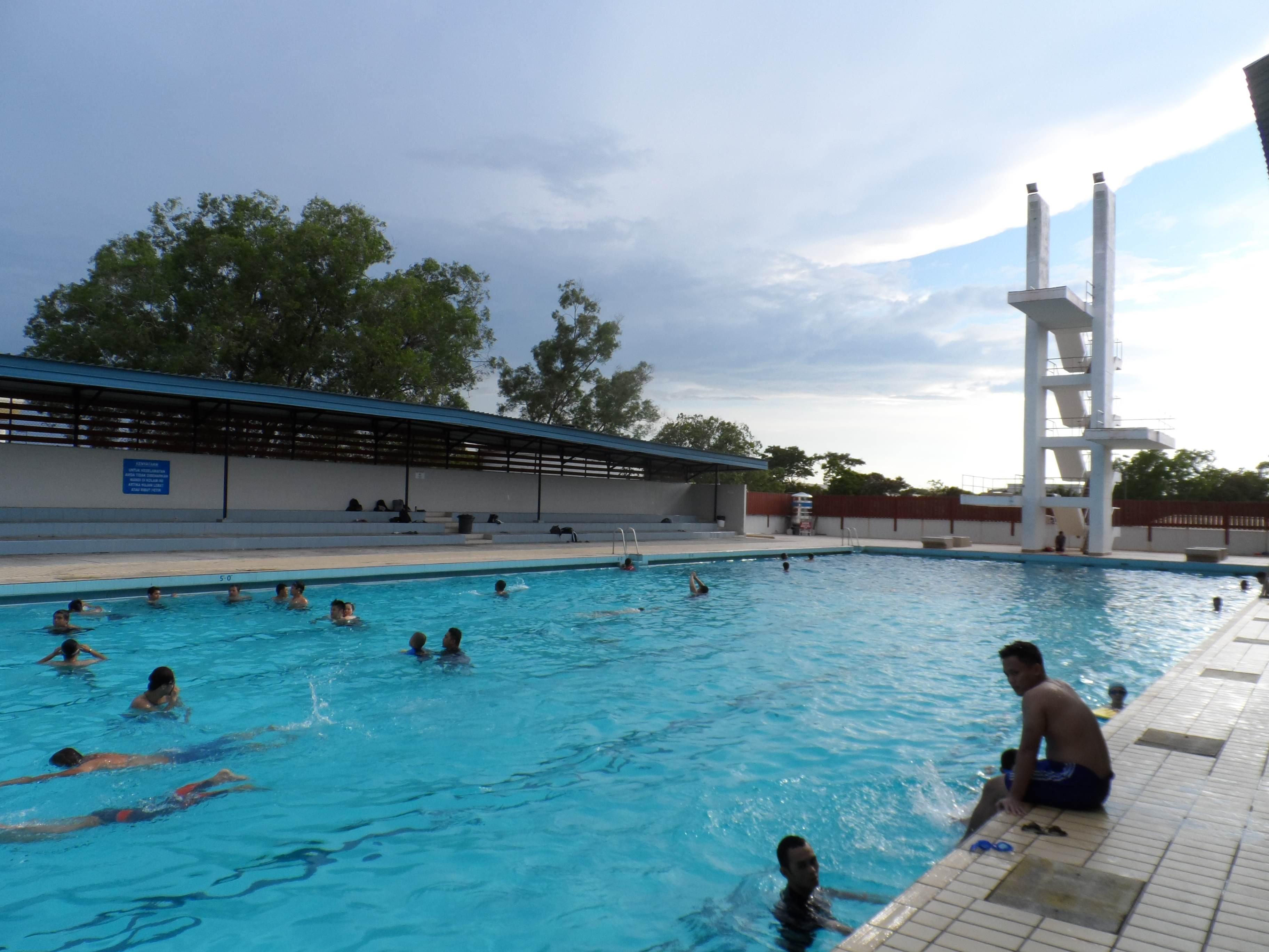 Weekend itinerary around brunei darussalam biyahe ni - Centrepoint hotel brunei swimming pool ...