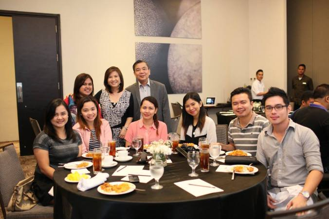 With the Davao Bloggers' Society. Photo by Dermax Laser Center