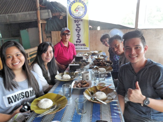 Heavy Lunch with Darriel and Catherine Quiogue and other bloggers  at a catfish (Hito) farm, not very far from the Philippine Eagle Sanctuary