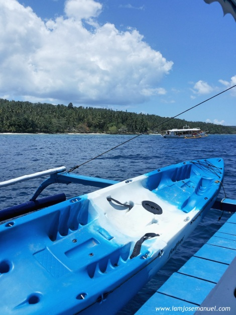 A relaxing boat ride along the coast of Samal is provided by Tides and Tribe Travel and Tours. The boat has a comfort room, a Kayak and snorkelling sets to use