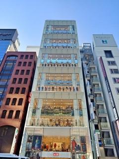 The 12 Storey Uniqlo Building in Ginza